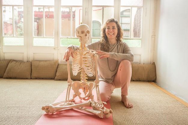 Julia Zatta: mi profesora de anatomía – Yoguineando